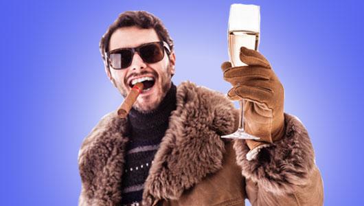 Mann mit Zigarre und Sektglas